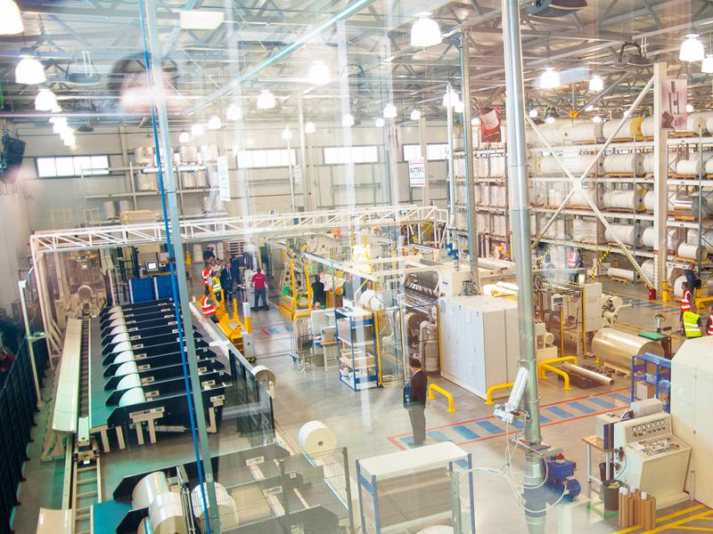 Более 11 миллионов м² самоклеящихся материалов